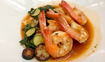 Cheapest flights to Sydney: Barbecued king prawns and lightly grilled vegetables - yum!